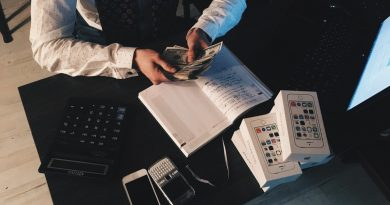 EFT tapping preocupado por la falta de dinero